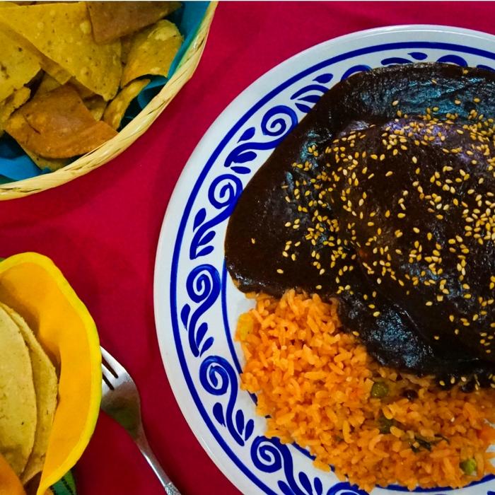 come-mole-poblano-en-Puebla
