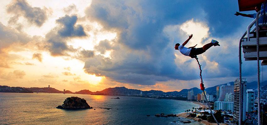 Hombre saltando.